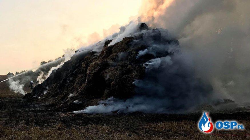 Pożar stogu słomy przy Drodze Wojewódzkiej nr.124 OSP Ochotnicza Straż Pożarna