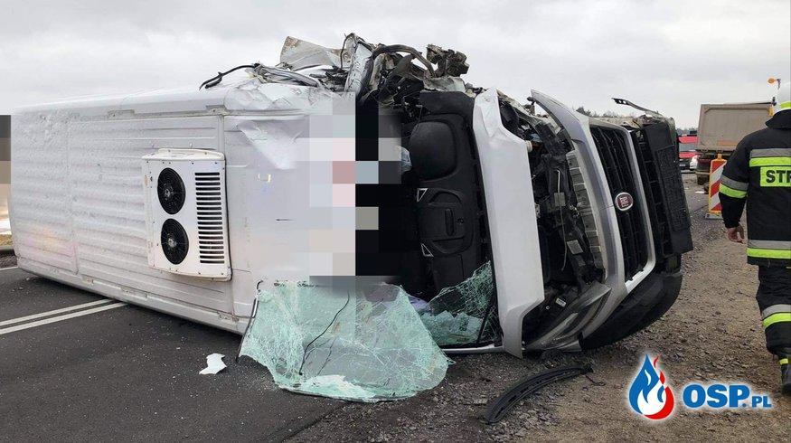 Zderzenie czołowe busa z ciężarówką na DK7 OSP Ochotnicza Straż Pożarna