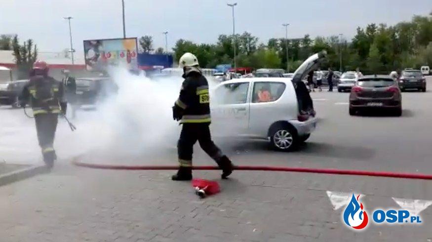 Pizzeria: Kochani, jeździmy dla Was tak szybko, że auta się palą [WIDEO] OSP Ochotnicza Straż Pożarna