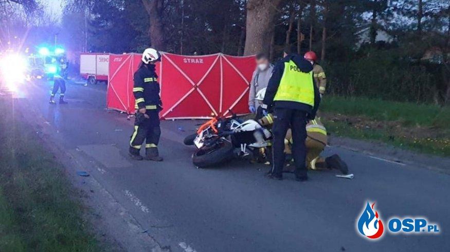 Dwóch motocyklistów zginęło w czołowym wypadku z jeepem OSP Ochotnicza Straż Pożarna