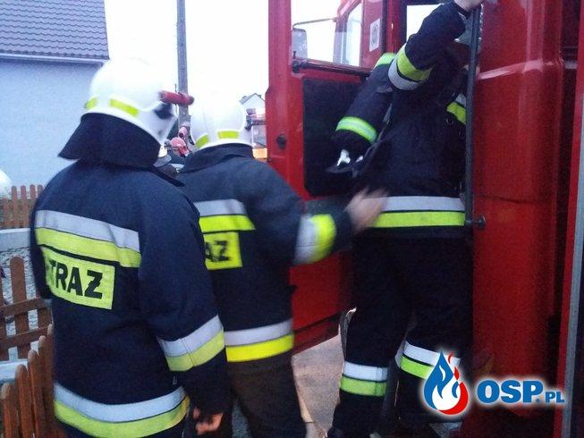 2 Pożary jednego dnia, pożar trawy i domu OSP Ochotnicza Straż Pożarna
