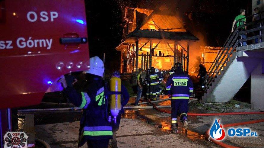 Groźny pożar w miejscowości Danisz. Spłonął dom i budynek gospodarczy! OSP Ochotnicza Straż Pożarna