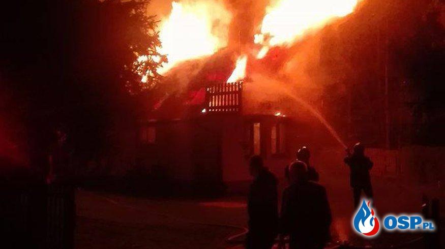 Groźny pożar budynku mieszkalnego. OSP Ochotnicza Straż Pożarna