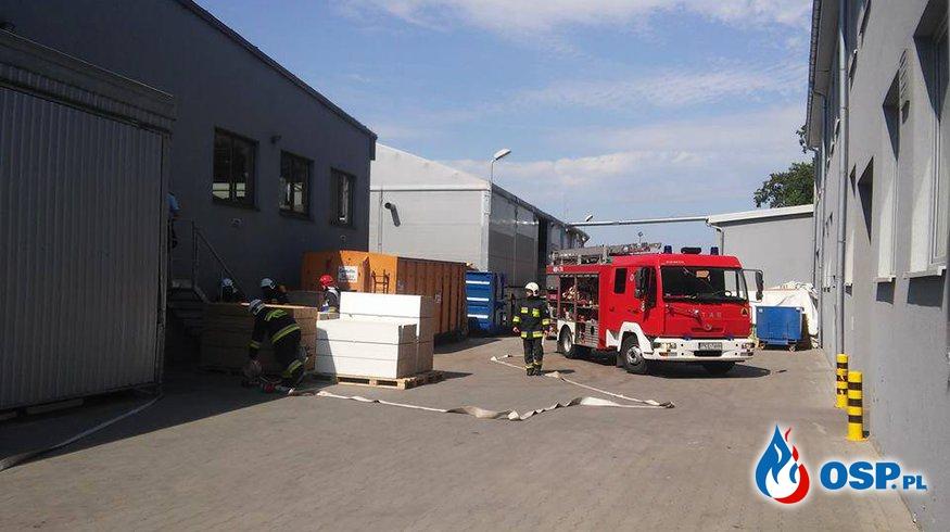 Pożar magazynu w zakładzie stolarskim [32/2017] OSP Ochotnicza Straż Pożarna
