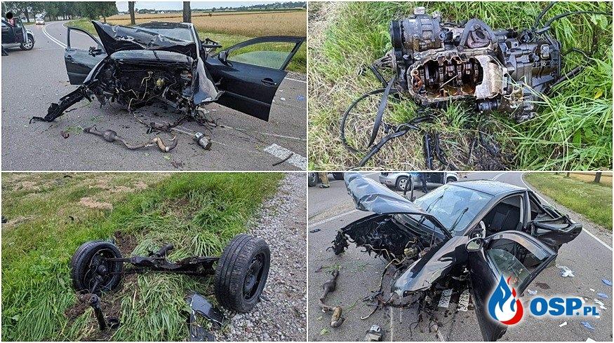Auto roztrzaskało się na drzewie. Z pojazdu odpadły koła i silnik. OSP Ochotnicza Straż Pożarna