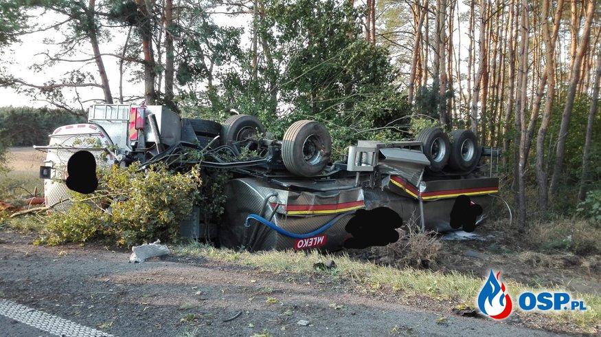 Tragiczny wypadek pod Izbickiem. Zginął ksiądz. OSP Ochotnicza Straż Pożarna