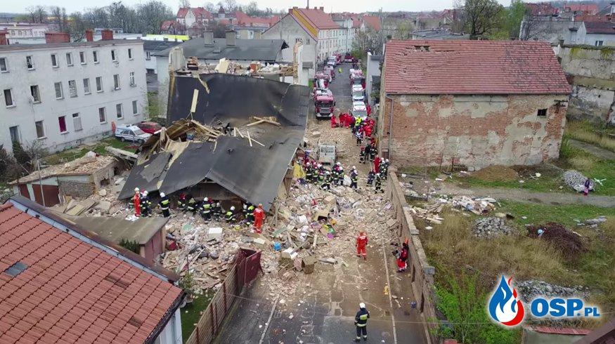 Kamienica zawaliła się w Świebodzicach. Trwa akcja ratunkowa! [wideo z drona] OSP Ochotnicza Straż Pożarna