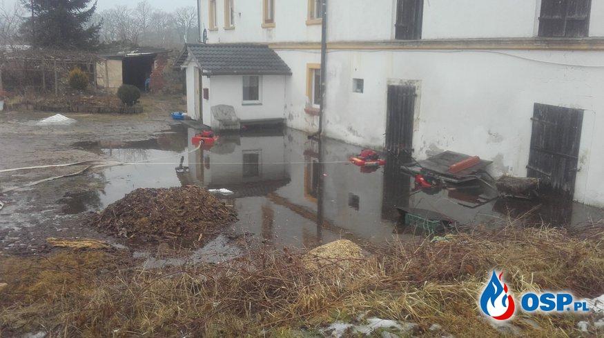 17.02- wypompowywanie wody w Dobrej OSP Ochotnicza Straż Pożarna