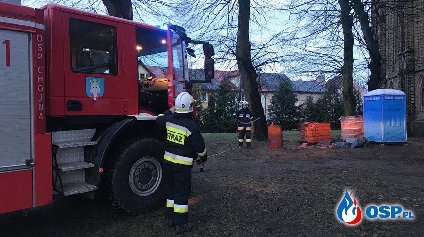 33/2019 Pożar śmieci przy kościele OSP Ochotnicza Straż Pożarna