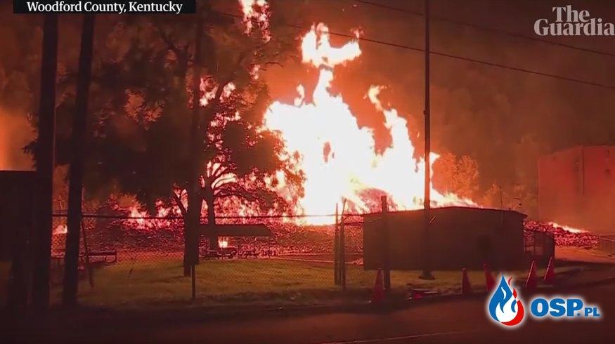 Pożar magazynu z alkoholem. Spłonęło 45 tys. beczek whiskey. OSP Ochotnicza Straż Pożarna