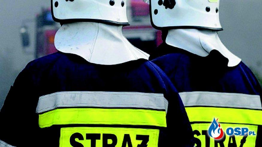 Plama oleju.  OSP Ochotnicza Straż Pożarna