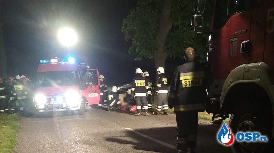 Wypadek samochodu osobowego w Myślątkowie OSP Ochotnicza Straż Pożarna