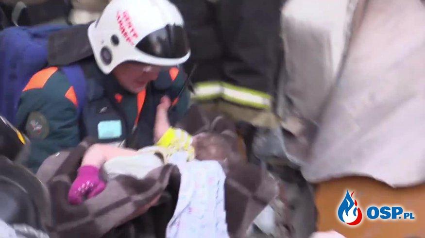10-miesięczne dziecko uratowane po 36 godzinach akcji w Rosji. Mróz sięgał -28 stopni. OSP Ochotnicza Straż Pożarna