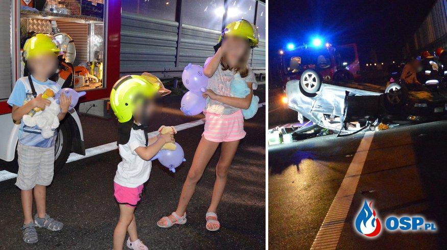 Groźny wypadek w ciemności. Strażacy zrobili dla dzieci dmuchane koguciki z rękawiczek! OSP Ochotnicza Straż Pożarna