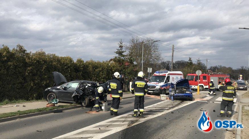 74/2021 Groźny wypadek na ul. Odrzańskiej OSP Ochotnicza Straż Pożarna