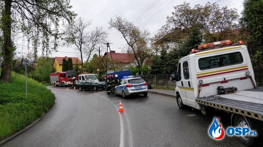 Wypadek drogowy - ul. Lipowiecka w Płazie OSP Ochotnicza Straż Pożarna
