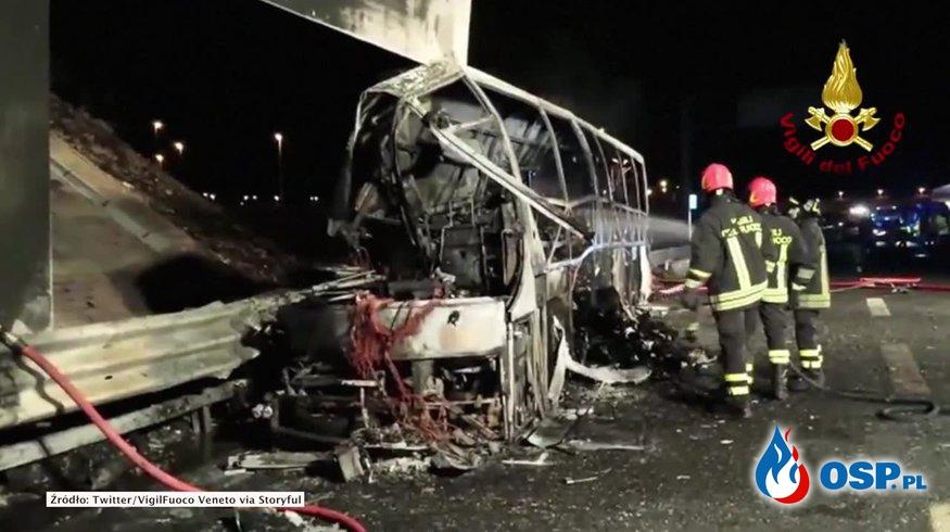 Autobus z dziećmi stanął w płomieniach po wypadku. Nie żyje 16 osób! OSP Ochotnicza Straż Pożarna