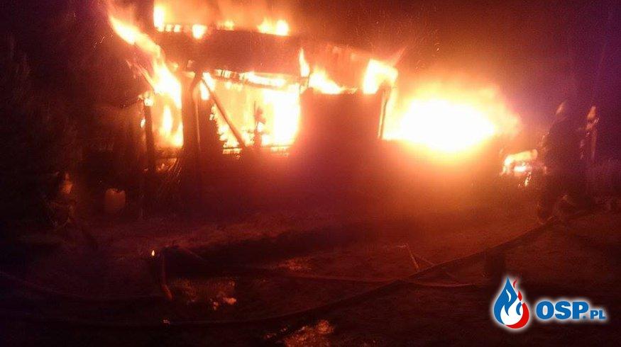Pożar domku letniskowego w Ostrowie. OSP Ochotnicza Straż Pożarna