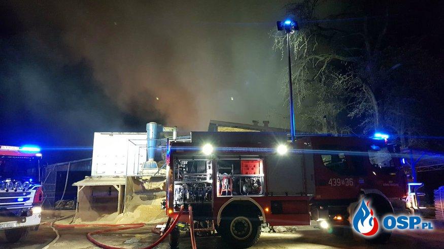 Duży pożar zakładu stolarskiego OSP Ochotnicza Straż Pożarna