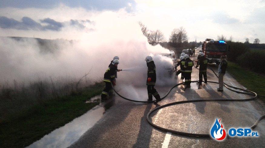 Pożar samochodu terenowego . Droga Nowodworce - Wasilków pow. białostocki OSP Ochotnicza Straż Pożarna