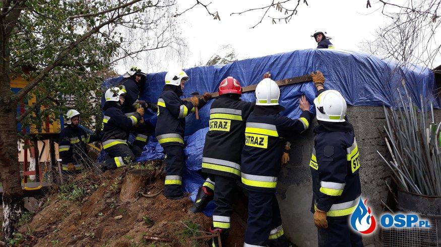 Zerwany dach OSP Ochotnicza Straż Pożarna