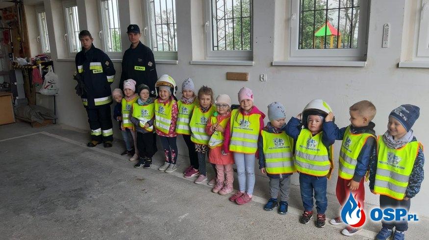 Przedszkolaki z wizytą w remizie OSP Morzewo OSP Ochotnicza Straż Pożarna