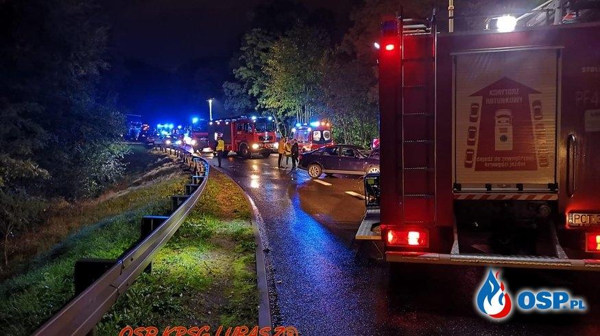 Zderzenie trzech pojazdów osobowych OSP Ochotnicza Straż Pożarna