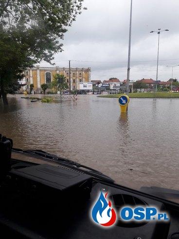 Zabezpieczenie drogi oraz pompowanie wody OSP Ochotnicza Straż Pożarna