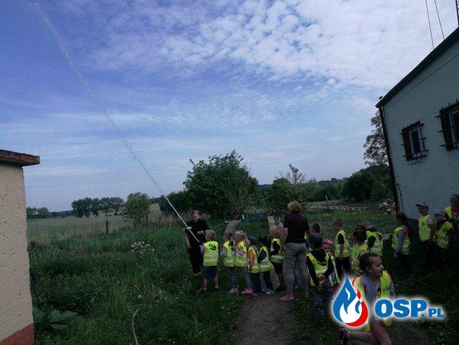 Wizyta przedszkolaków. OSP Ochotnicza Straż Pożarna