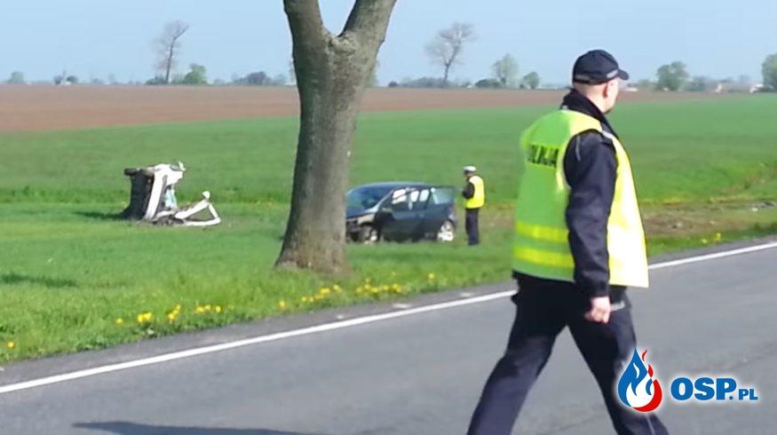 Wypadek maturzystów w drodze na egzamin. OSP Ochotnicza Straż Pożarna