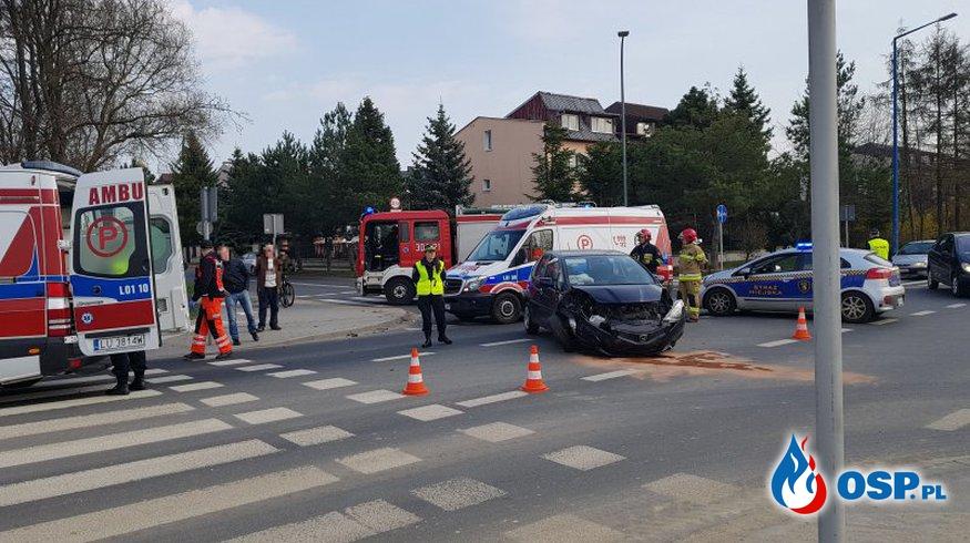 """""""Patrzyli na wypadek i jechali dalej"""". Pomógł dopiero żołnierz po służbie. OSP Ochotnicza Straż Pożarna"""