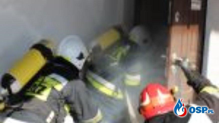 Ćwiczenia na obiekcie stolarni. OSP Ochotnicza Straż Pożarna