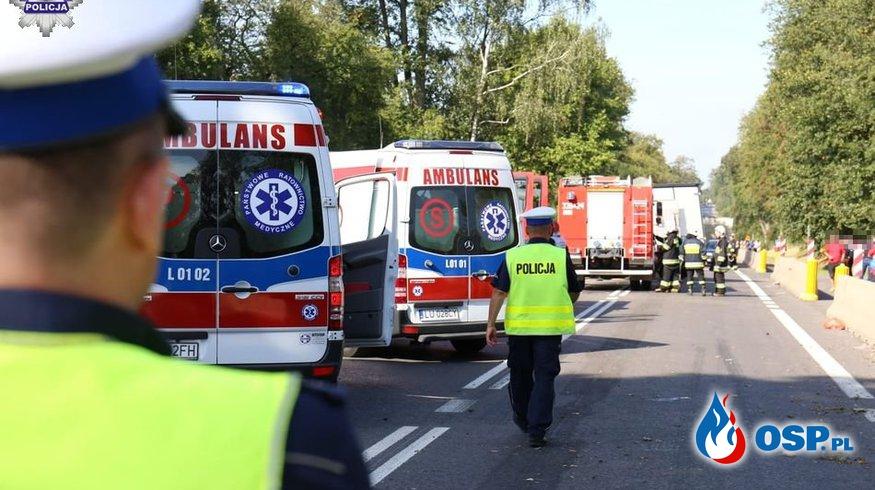 Wypadek trzech busów. Jedna osoba zginęła, 16 jest rannych! OSP Ochotnicza Straż Pożarna