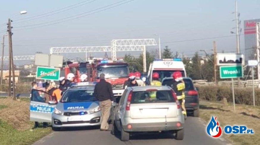 Wronki – kolizja drogowa dwóch samochodów OSP Ochotnicza Straż Pożarna