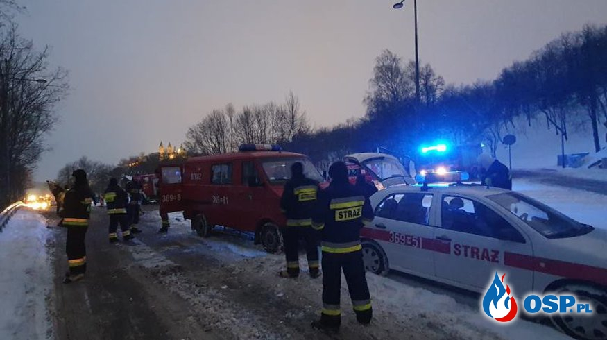 Ratownicy z rejonu operacyjnego KM PSP w Płocku w walce z zagrożeniem powodziowym OSP Ochotnicza Straż Pożarna