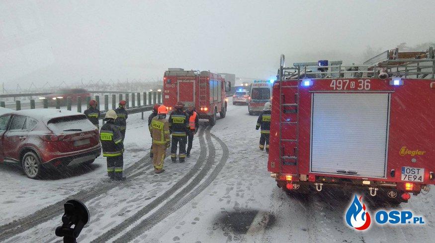 Groźny wypadek na A4. Zimowa aura daje o sobie znać. OSP Ochotnicza Straż Pożarna