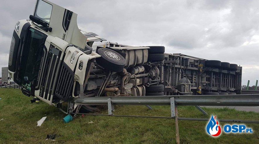Przewrócona ciężarówka zablokowała przejazd autostradą A2 OSP Ochotnicza Straż Pożarna