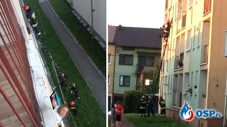 Akcja strażaków na jednym z osiedli. Musieli wejść do mieszkania przez okno. OSP Ochotnicza Straż Pożarna
