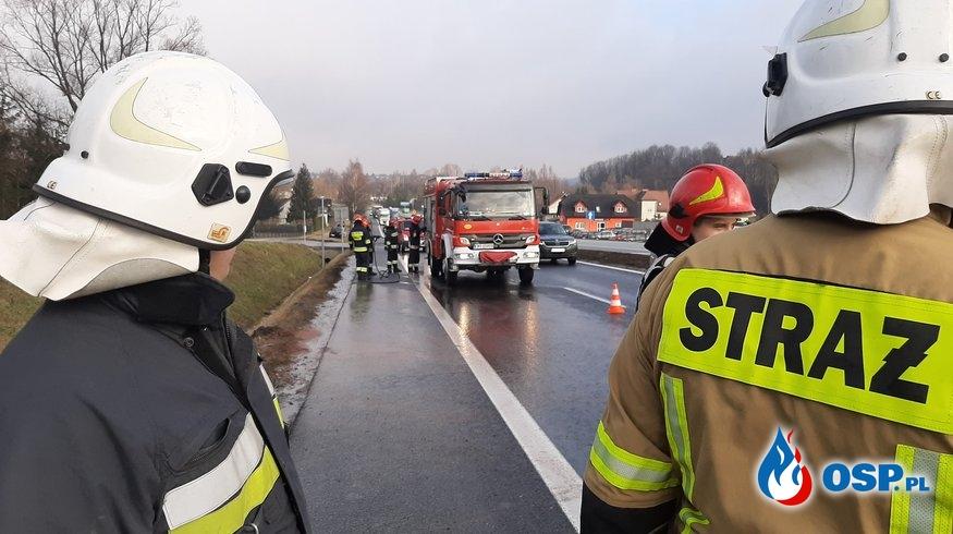 Kolizja trzech samochodów osobowych na DK7 - 20 lutego 2020r. OSP Ochotnicza Straż Pożarna