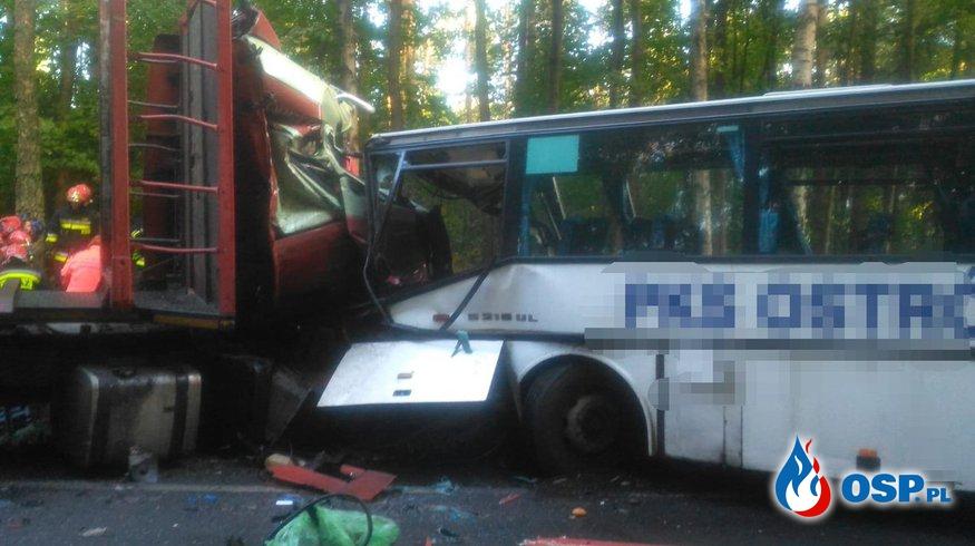 Wypadek autobusu szkolngo z ciężarówką na dk.16 - Tyrowo OSP Ochotnicza Straż Pożarna