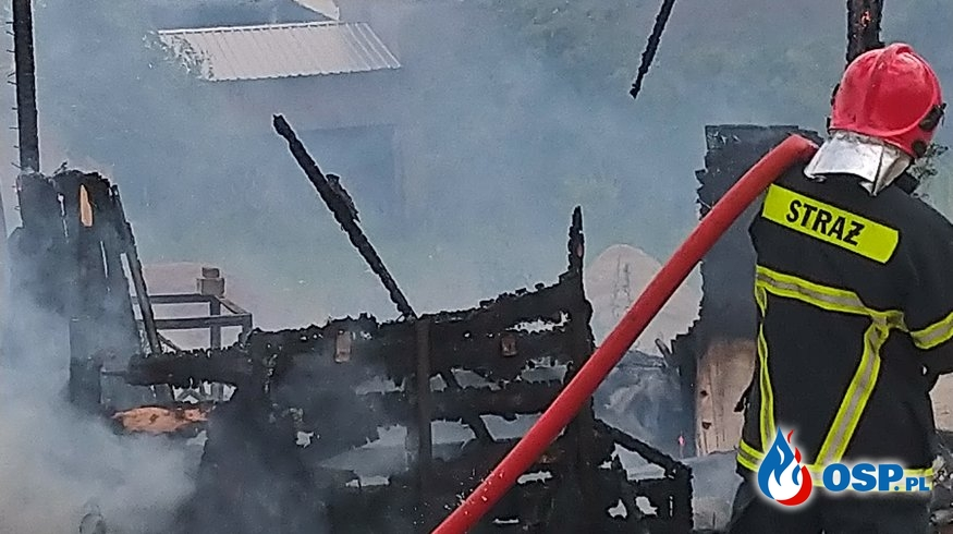 !!! Pożar drewnianej szopki !!! OSP Ochotnicza Straż Pożarna