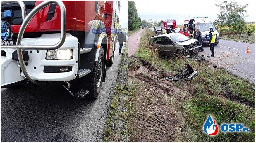 Wypadek strażaków OSP w drodze do zdarzenia. Kobieta trafiła do szpitala. OSP Ochotnicza Straż Pożarna