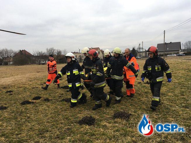 Zdarzenie drogowe w Żędowicach. OSP Ochotnicza Straż Pożarna