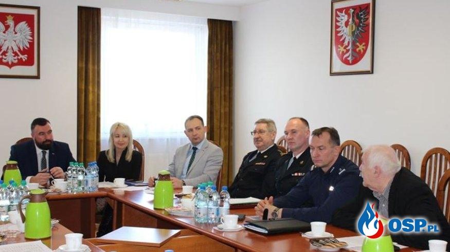 Posiedzenie Komisji Bezpieczeństwa i Porządku powiatu płockiego – jednym z tematów koronawirus OSP Ochotnicza Straż Pożarna