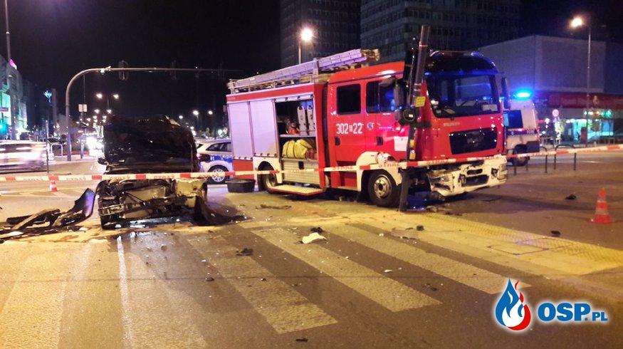 Wypadek wozu bojowego jadącego do pożaru w Łodzi.  OSP Ochotnicza Straż Pożarna