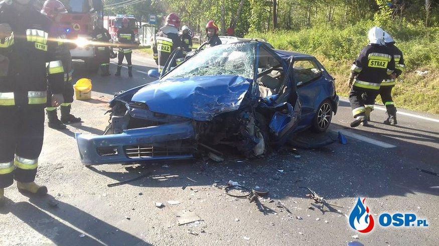 6 osób poszkodowanych w wypadku z udziałem 3 samochodów osobowych OSP Ochotnicza Straż Pożarna