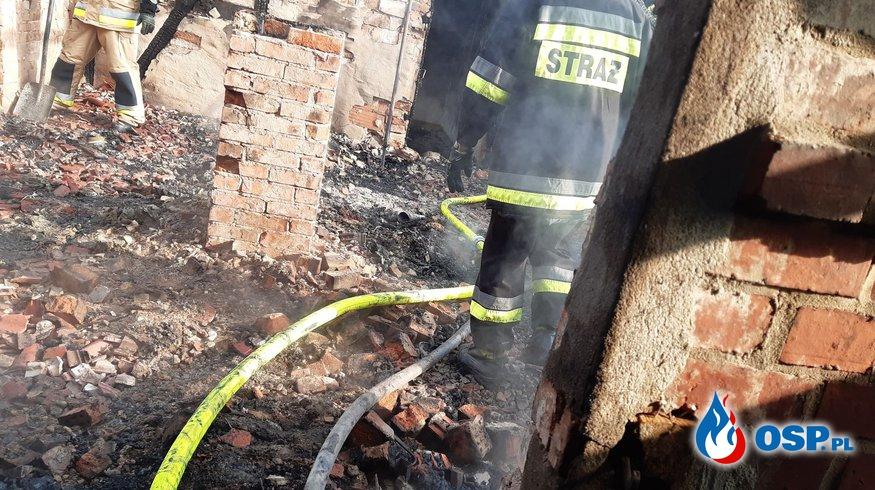 Pożar domu . 7 zastępów w akcji OSP Ochotnicza Straż Pożarna