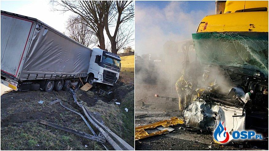 Kabina ciężarówki zapaliła się po zderzeniu. Druga ciężarówka zatrzymała się w rowie. OSP Ochotnicza Straż Pożarna