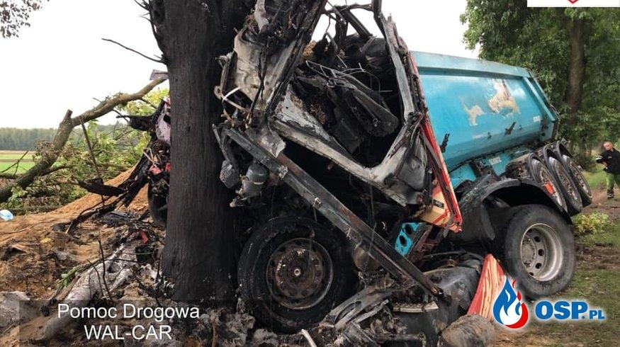 Świadkowie uratowali kierowcę ze zmiażdżonej, płonącej ciężarówki! OSP Ochotnicza Straż Pożarna