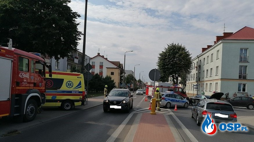 Wypadek drogowy z udziałem 3 samochodów osobowych OSP Ochotnicza Straż Pożarna